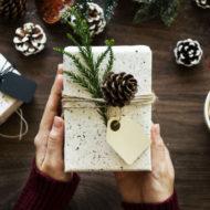 Regali di Natale: detraibilità dell'IVA e deducibilità del costo